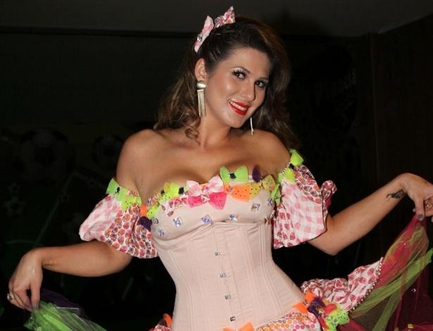 01.jul.2013 - Lívia Andrade, a Suzana de