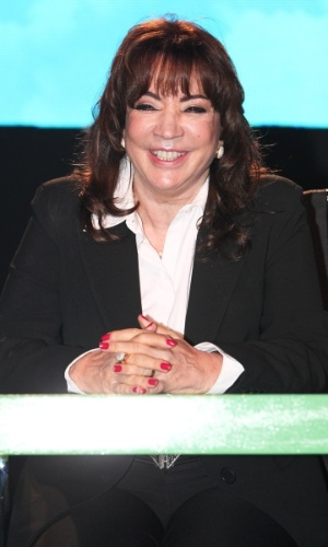 """2.jul.2013 - A autora Íris Abravanel fala sobre a nova versão de """"Chiquititas"""" durante a apresentação da novela, em São Paulo"""