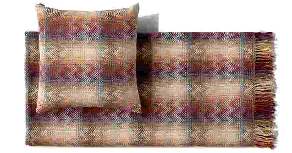 Almofada e manta de lã; R$ 1.794 o kit, da Missoni Home - Divulgação