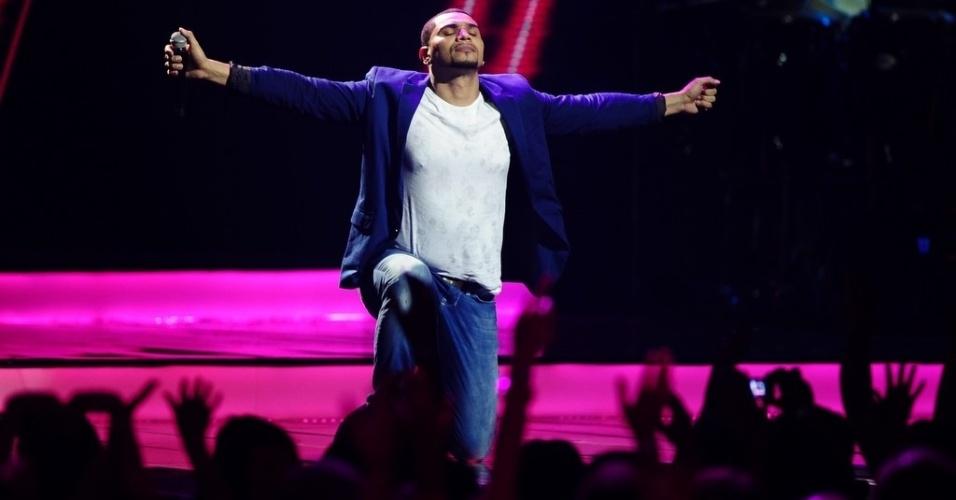 3.jul.2013 - O cantor Naldo Benny grava DVD em única apresentação no Credicard Hall, em São Paulo, com participação de famosos