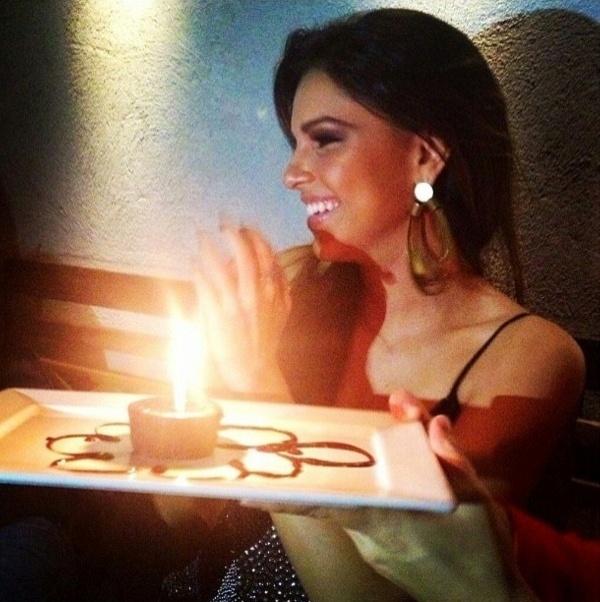 Após terminar noivado, Mariana Rios se diverte ao lado das amigas e comemora mais um ano de vida