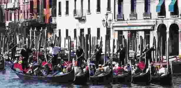 """Um internauta italiano alertou: """"não nade nos canais de Veneza"""" - Getty Images"""