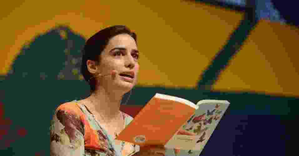 5.jul.2013 - A escritora francesa Lila Azam Zanganeh fala sobre literatura em função de sua potência erótica, na Flip 2013 - Walter Craveiro/Divulgação