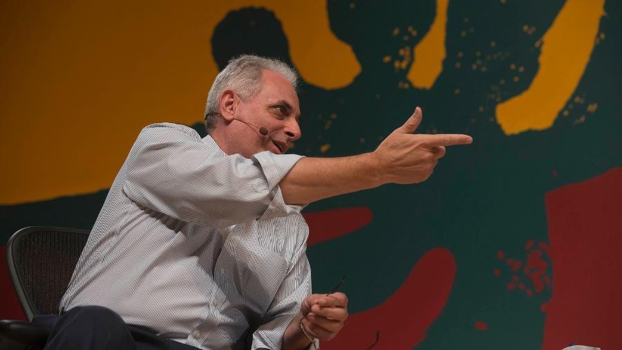William Waack faz mediação de evento sobre protestos em 2013 - Walter Craveiro/Divulgação