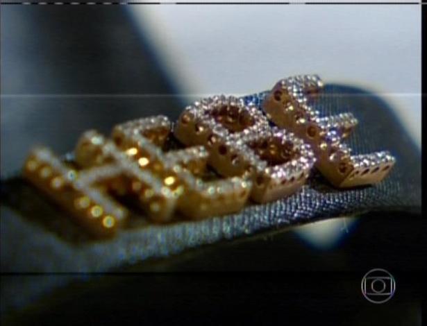 Jul. 2013 - Além dos carros personalizados, vários objetos usados por Hebe tinham inscrições com seu nome, como joias, sapatos e bolsas
