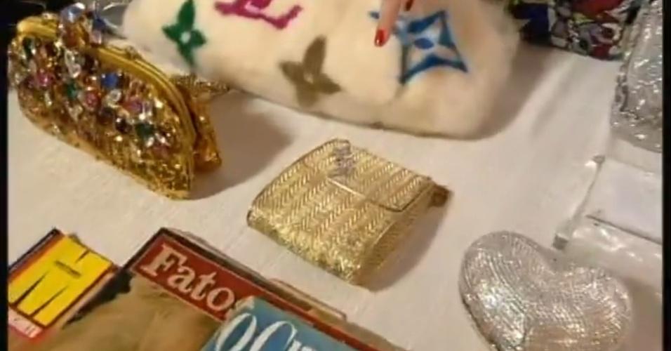 Jul. 2013 - Bolsas de grife Hebe Camargo serão expostos em homenagem à apresentadora