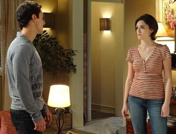 """Em """"Sangue Bom"""", Giane dá fora em Caio e ele insiste que ela seja modelo"""
