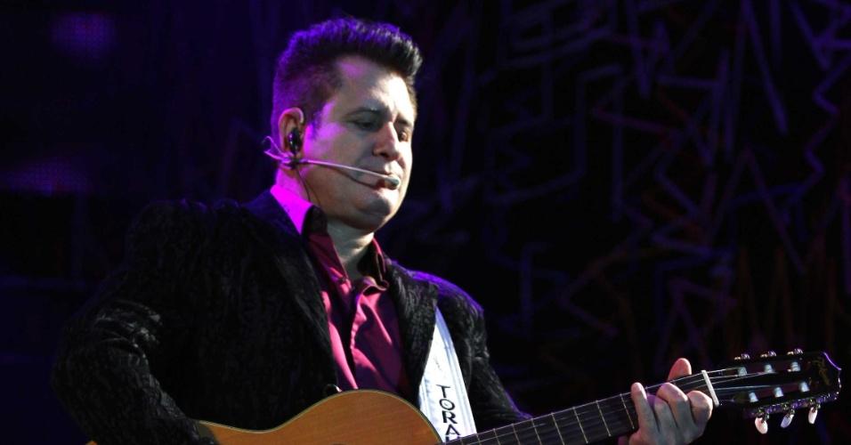 8.jul.2013 - Bruno & Marrone fazem show na Estância Alto da Serra, em São Paulo. Na mesma noite, o local também recebeu o show da Banda Garota Safada. A abertura foi de George Henrique & Rodrigo