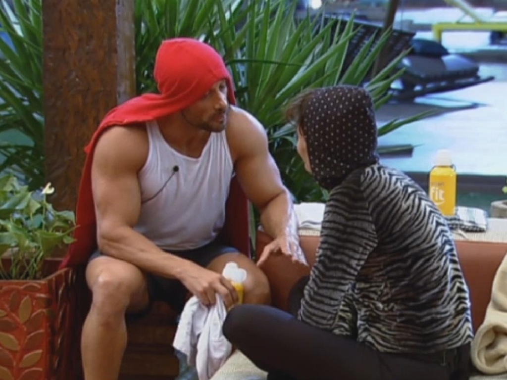 9.jul.2013 - Marcos Oliver diz a Lu que acredita que ela volte da roça: