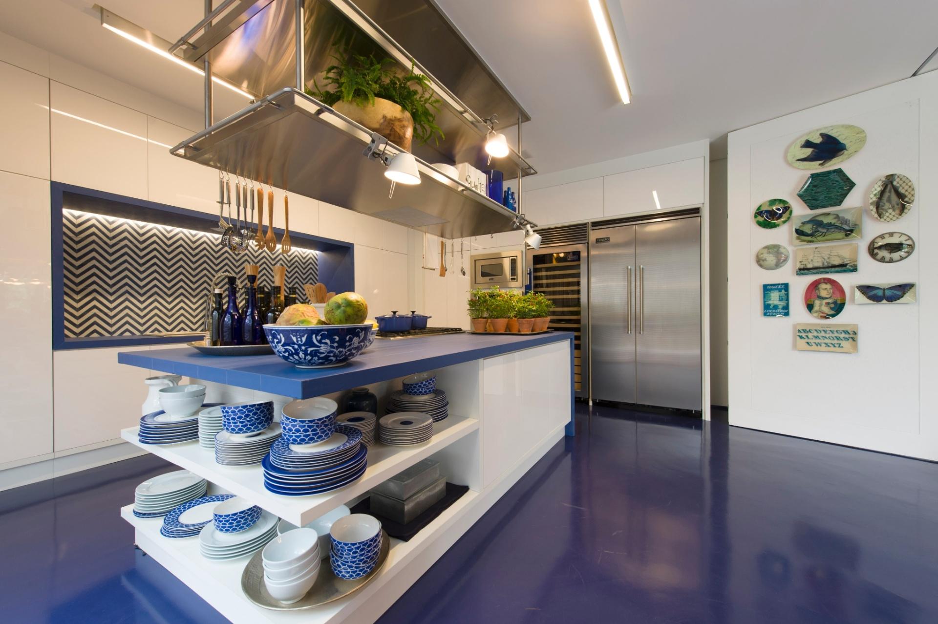 A Casa de Praia idealizada por Roberto Migotto, tem o azul