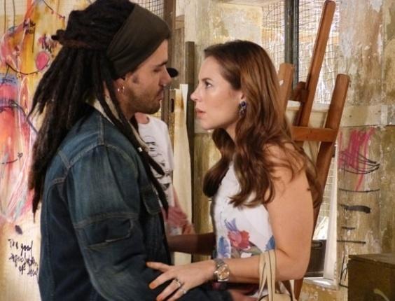 """Em """"Amor à Vida"""", Ninho tenta se aproximar de Paloma e leva um fora"""