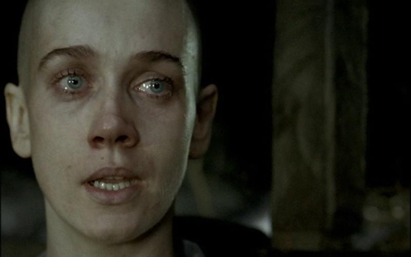 """No filme """"Olga"""" (2004), Camila Morgado raspou os cabelos na fase em que a personagem fica em um campo de concentração"""