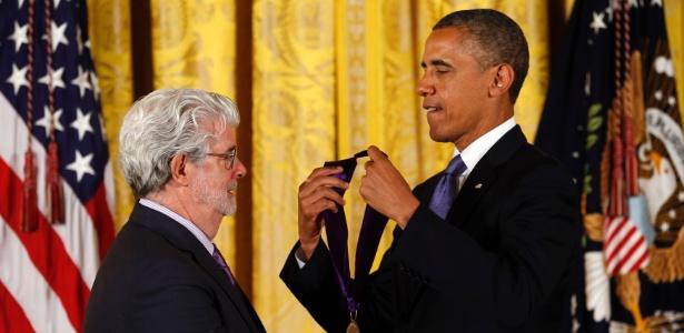 Obama entrega medalha a George Lucas - Kevin Lamarque/Reuters