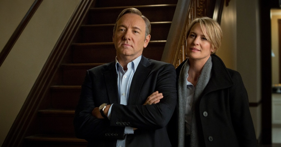 "11.jul.2013 - Os atores Kevin Spacey e Robin Wright em cena da série ""House of Cards"", do Netflix"