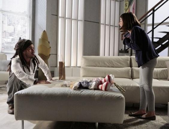 """Em """"Amor à Vida"""", Ninho diz a Paulinha que é seu pai biológico"""