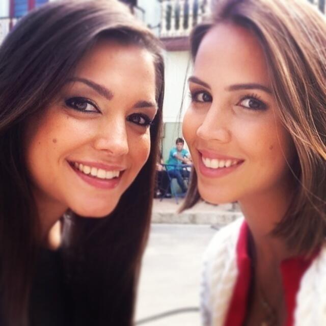 12.jul.2013 - Thais Fersoza e Pérola Faria posam em foto publicada no Twitter
