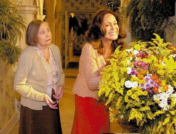 """25.mai.2004 - As atrizes Miriam Pires e Susana Vieira gravam sua primeira cena na novela """"Senhora do Destino"""", exibida pela Rede Globo"""