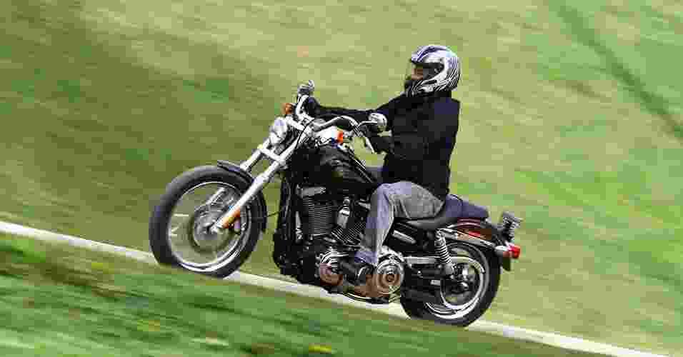 Harley-Davidson FXDC Super Glide Custom 110th Anniversary Edition - Mario Villaescusa/Infomoto