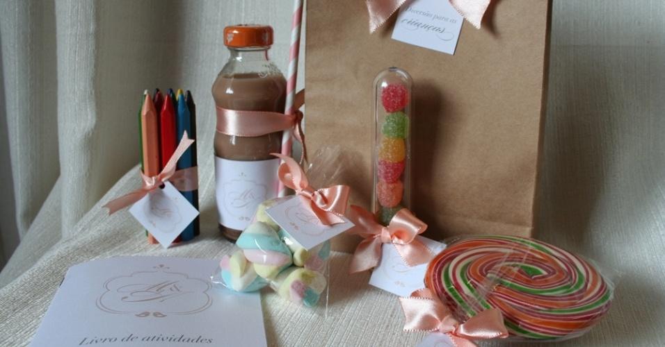 Kit para as crianças da Emotion; por R$ 55 (cada)