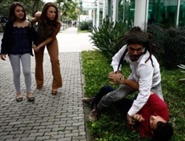 Paulinha se desespera com briga de Bruno e Ninho