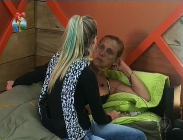 12.jul.2013 - Após comentário, Rita e Bárbara se desentendem