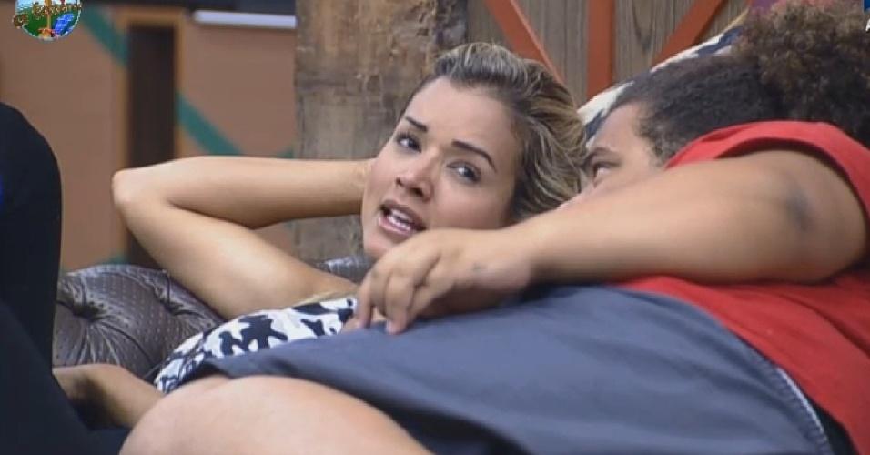 13.jul.2013 - Aryane de Denise para Gominho: