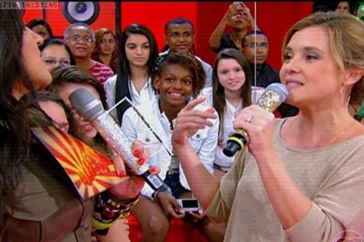 14.jul.2014 - Adriana Esteves participa do Esquenta neste domingo (14)