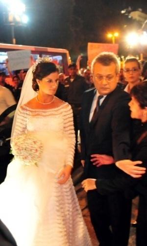 13.jul.2013 - A noiva Beatriz Barata, neta do empresário Jacob Barata, considerado o