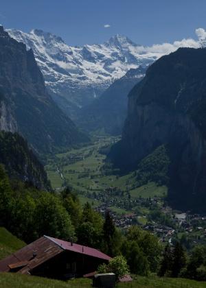 A cidade de Lauterbrunnen, nos alpes suíços - Damon Winter/The New York Times