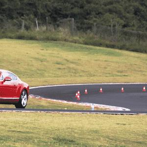 Bentley Continental GTC V8 - Divulgação
