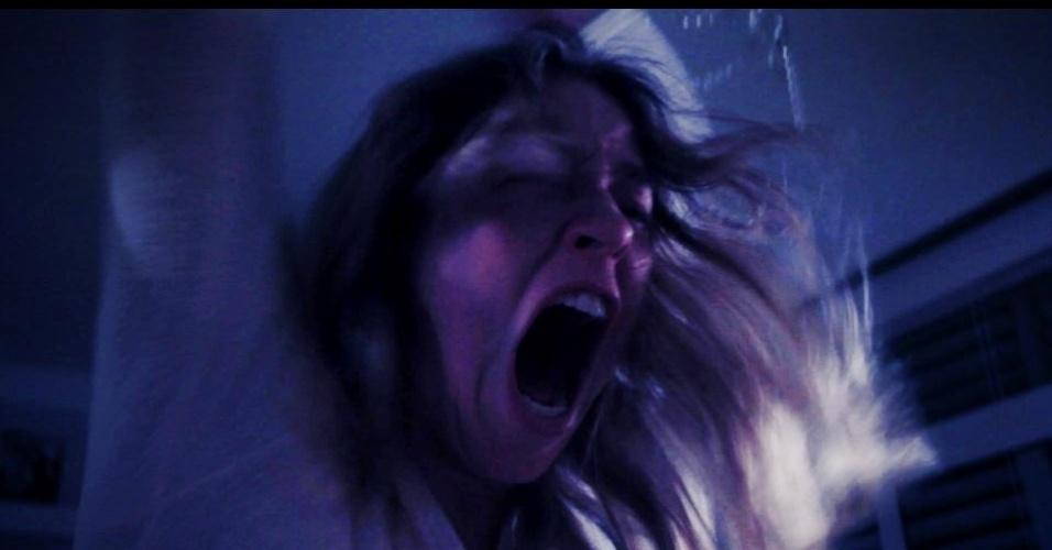 15.jul.2013 - Mesmo com a agenda cheia, Luana Piovani arruma tempo para filmar curta, no qual vive uma desequilibrada