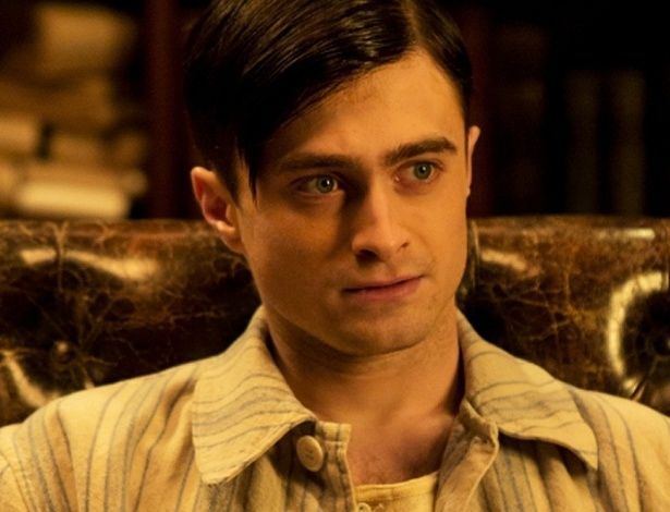 "17.jul.2013 - Daniel Radcliffe interpreta o doutor Vladimir Bomgard na série ""A Young Doctor's Notebook"""