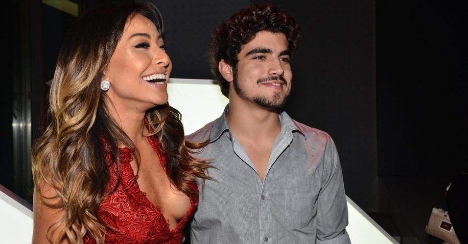 17.jul.2013 - Sabrina Sato com Caio Castro em evento de uma marca de carros em São Paulo