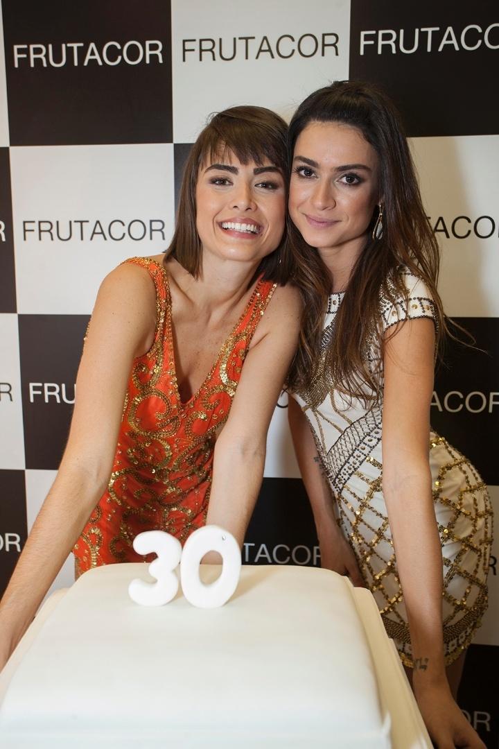 17.jul.2013 - Thaila Ayala e Maria Casadevall prestigiam evento em Belo Horizonte, Minas Gerais