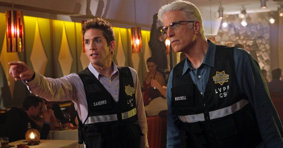 """""""C.S.I."""" - Já existiam séries policiais antes de """"Arquivo X"""", mas foi Dana Scully que colocou em evidência o aspecto científico - e até um pouco macabro - das autópsias e investigações clínicas"""