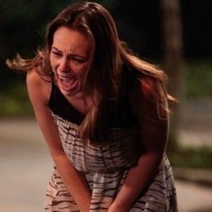 """Em """"Amor à Vida"""", Paloma é espancada na prisão"""