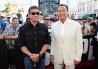 """Stallone e Schwarzenegger chegam para a pré-estreia de """"Escape Plan"""" na Comic-Con - Ethan Miller/AFP"""