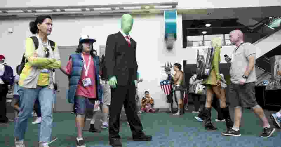 """19.jul.2013 - Até cosplay """"sem rosto"""" deu as caras na Comic-Con - Robyn Beck/AFP"""