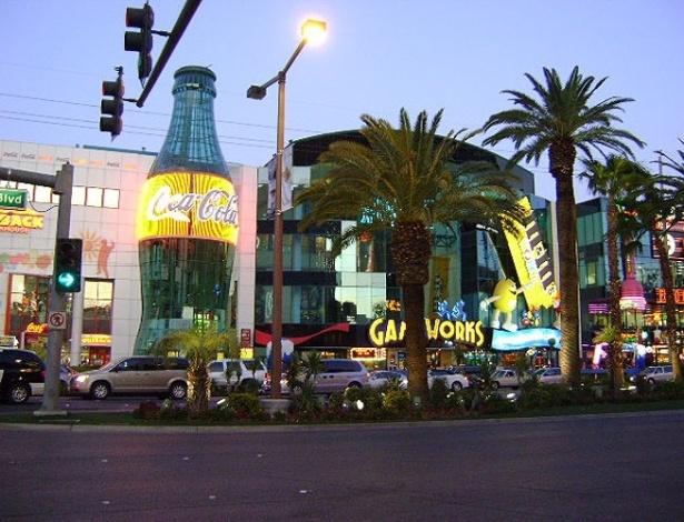 Loja da Coca-cola e da M&M são atrações à parte na Strip, em Las Vegas