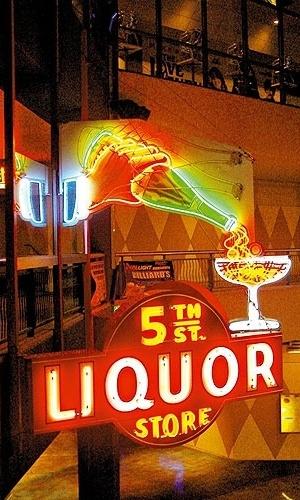 Néon no Liquor Store, em Las Vegas