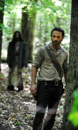 """O ator Andrew Lincoln volta como o xerife Rick Grimes na quarta temporada de """"The Walking Dead"""", apresentada na Comic-Con 2013"""