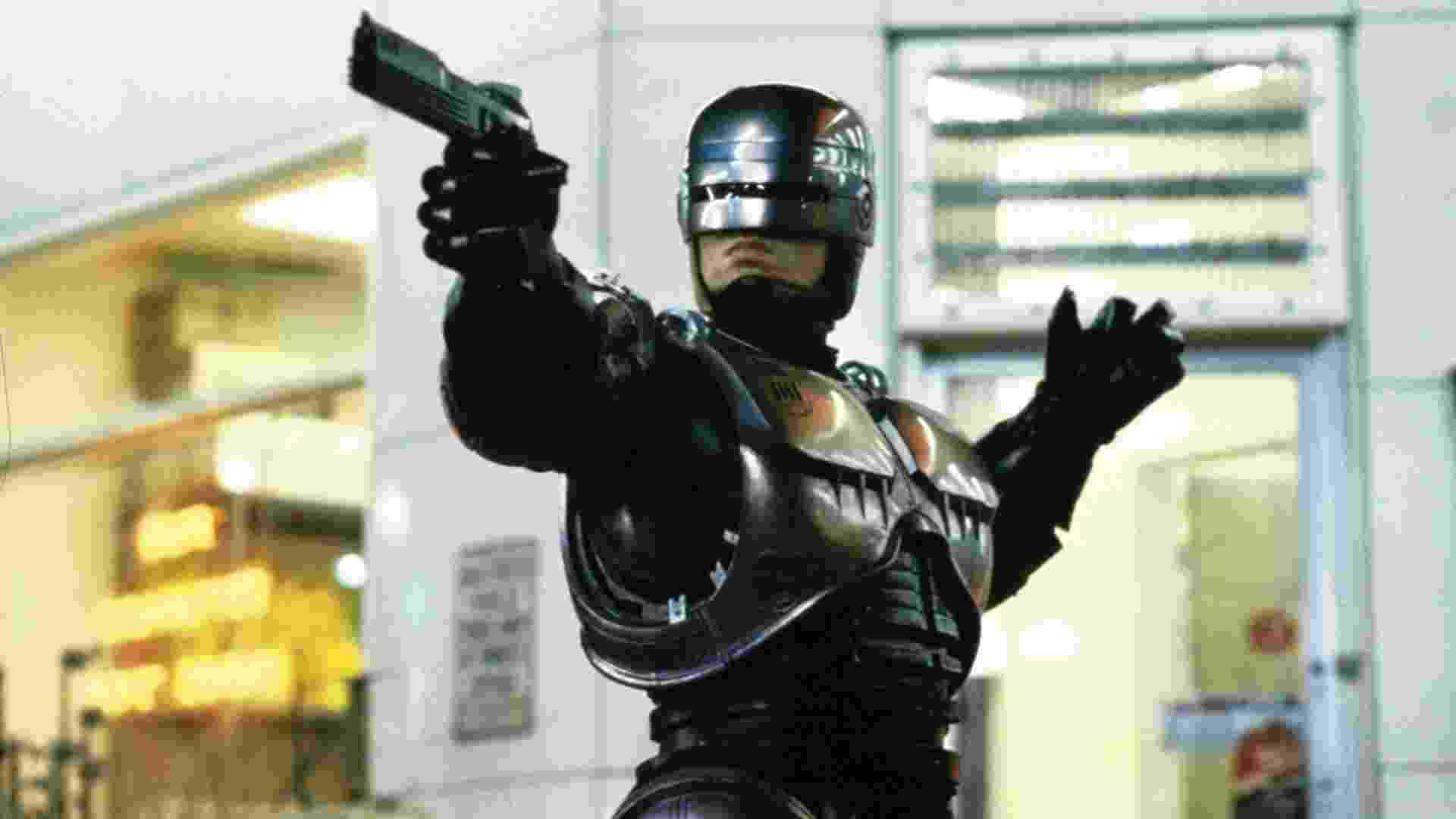 """Peter Weller em """"Robocop"""", que Paul Verhoeven dirigiu em 1987 - Divulgação"""