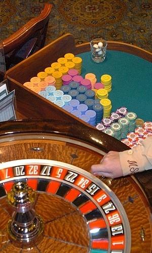 Roleta e fichas de jogos são praticamente símbolos da cidade de Las Vegas