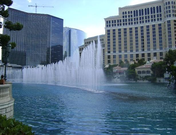 Show de águas é marca registrada do Bellagio, um dos hotéis mais tradicionais de Las Vegas