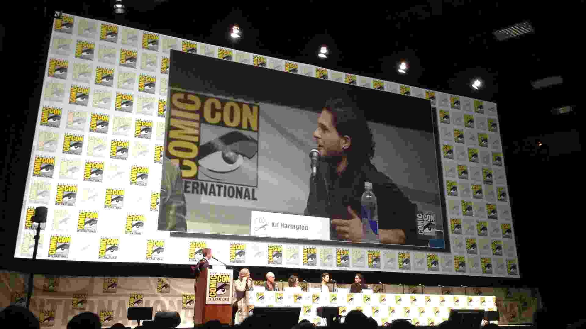 """Kit Harrigton, ator de """"Game of Thrones"""", no painel de """"O Sétimo Filho"""" - Natalia Engler/UOL"""
