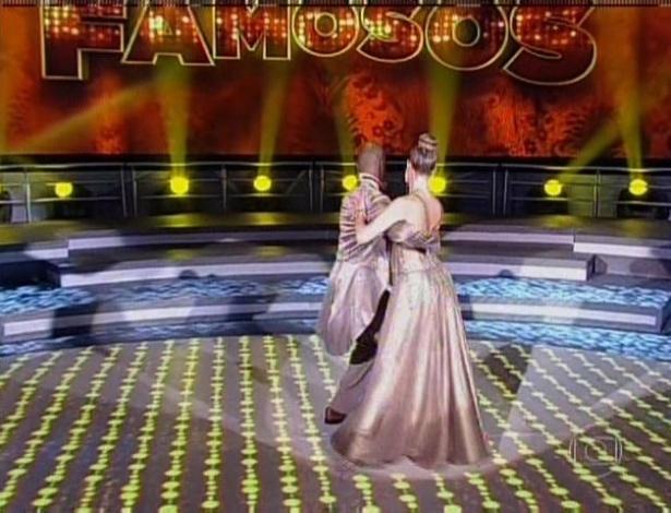 21.jul.2013 - A atriz Luana Piovani e seu professor, Wagner Santos, foram os últimos a se apresentar
