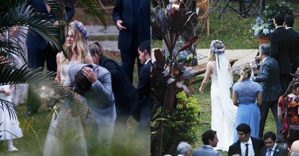 Fiorella Matheis e Flávio Canto se casaram em uma cerimônia em Petrópolis (RJ) neste sábado (20). O vestido, sem volume na cor nude, foi assinado pelas estilista Marta Macedo, da Martu. O toque romântico ficou por conta da tiara de flores presa ao véu