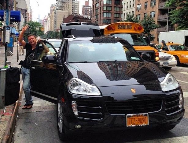 22.jul.2013 - David Brazil mostra foto em Nova York