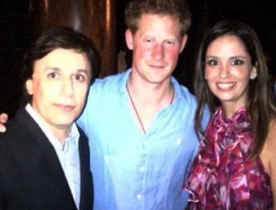 22.jul.2013 - Tom Cavalcante postou foto com o príncipe Harry em seu Twitter no dia do nascimento de seu sobrinho, filho de Kate e William.
