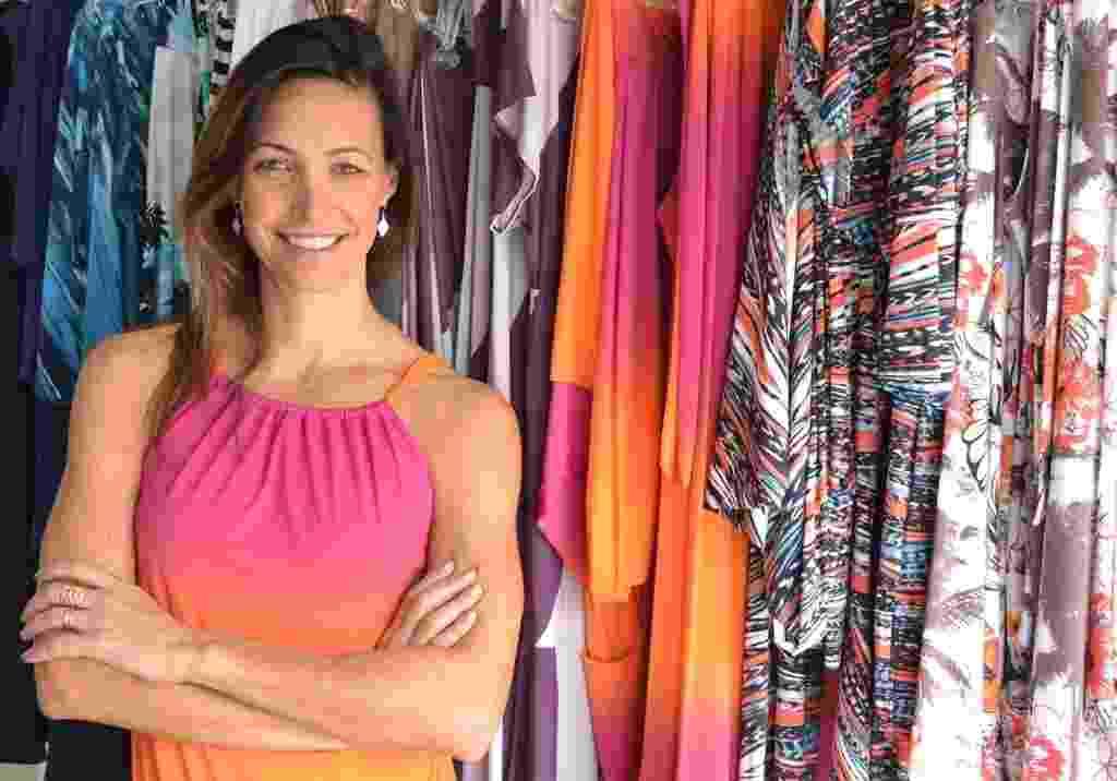 Fabíola Molina concilia a carreira de nadadora e sua confecção de moda praia. Além de vender online, ela tem uma loja própria em São José dos Campos e pontos de venda espalhados pelo Brasil e pelo mundo - Divulgação